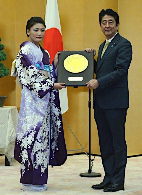 20161020 伊調馨選手 国民栄誉賞 時事