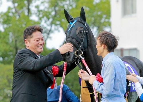 【競馬】ヴィブロスほどこれまでの戦績のしょぼかったG1馬っているの?