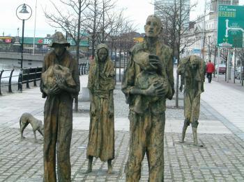 Famine_memorial_dublin_convert_20161025172619.jpg