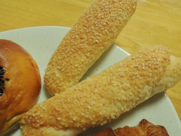 エーワンベーカリー パンの自販機 201605 (1)