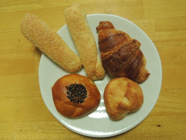 エーワンベーカリー パンの自販機 201605 (9)