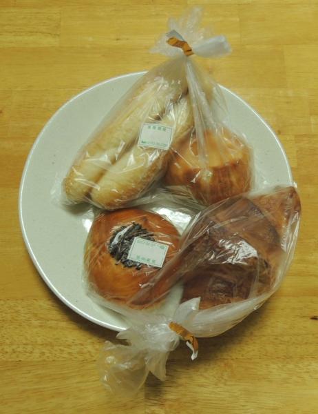 エーワンベーカリー パンの自販機 201605 (8)