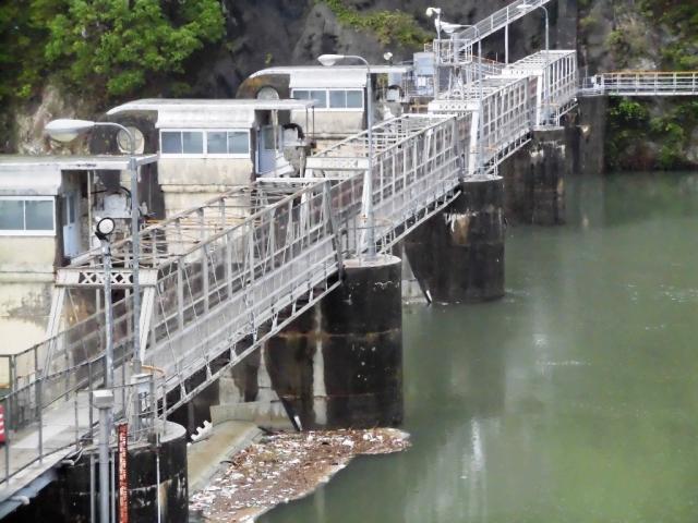 南向発電所取水堰堤 (7)