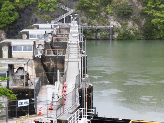南向発電所取水堰堤 (8)