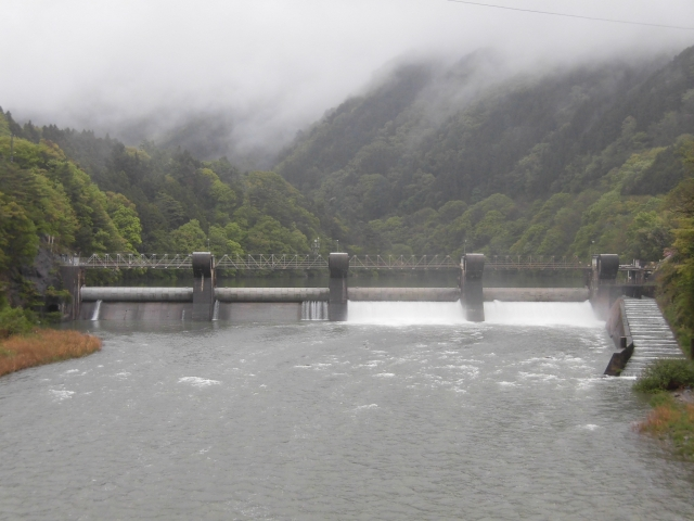 南向発電所取水堰堤 (10)