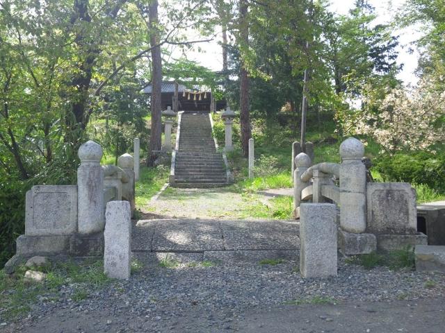 岡田神社の石橋