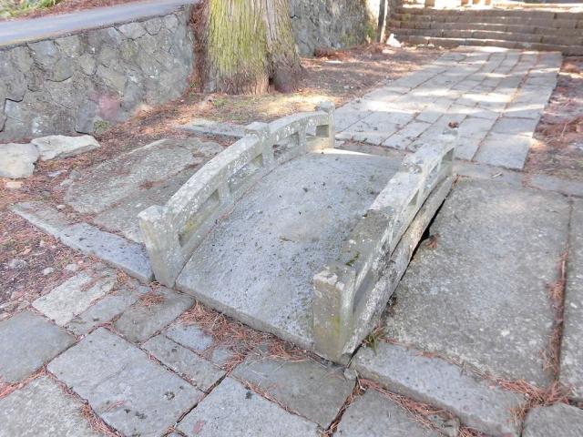 山家神社の太鼓橋 (2)