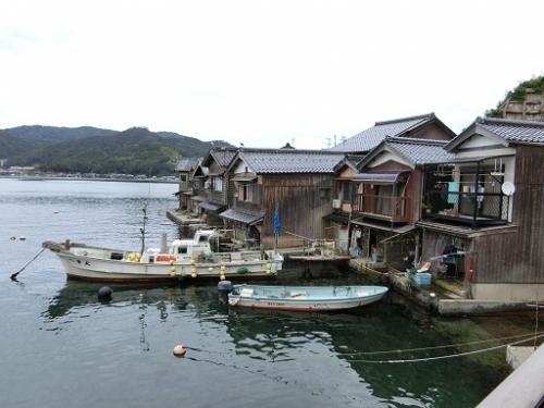 二階から見た舟屋
