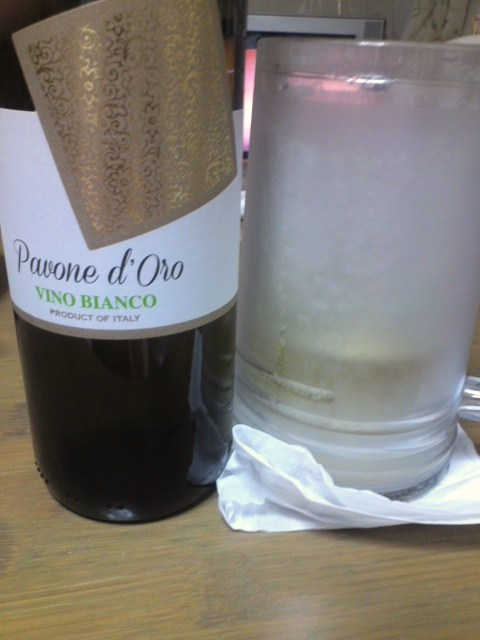 Pavone d'Oro VINO BLANCOと進撃の巨人