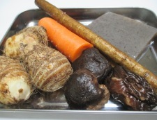 厚揚げと根菜の煮物 材料②