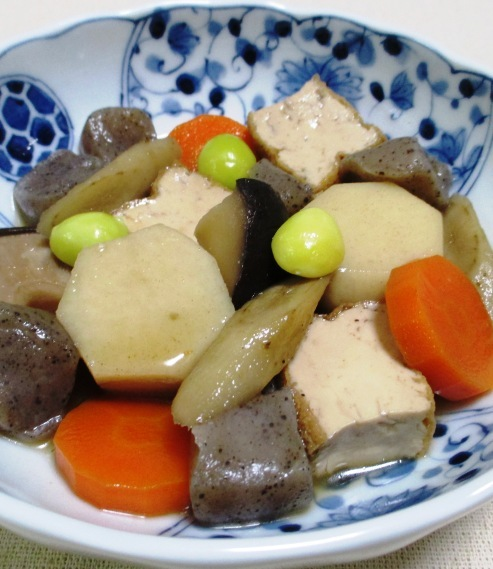 厚揚げと根菜の煮物 拡大