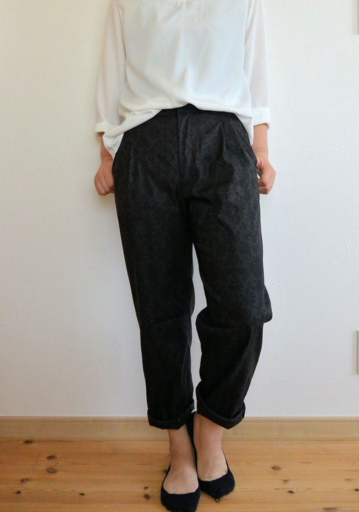 黒パンツ1