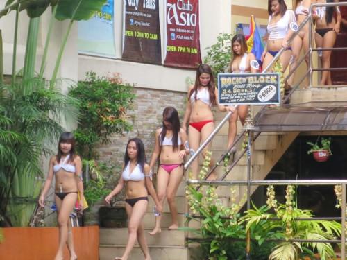 swimsuit contest102216 (3)