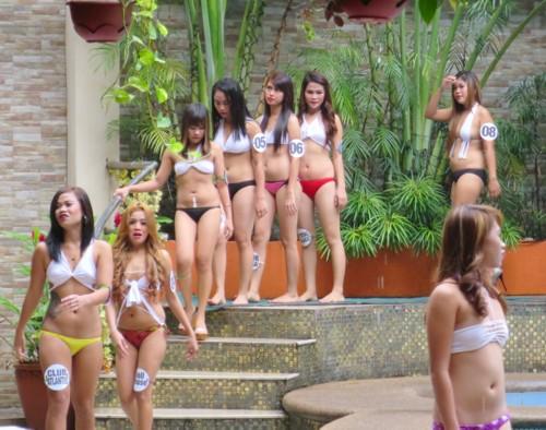 swimsuit contest102216 (6)