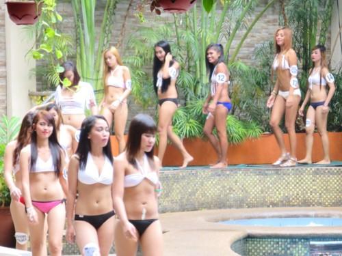 swimsuit contest102216 (9)