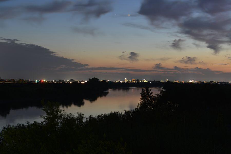橋からの夕暮れ-4