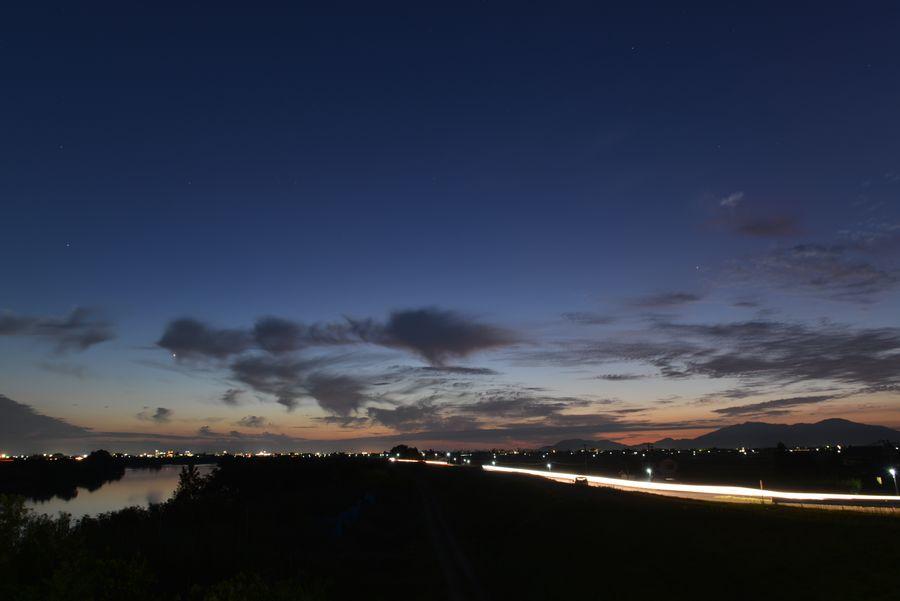 橋からの夕暮れ-5