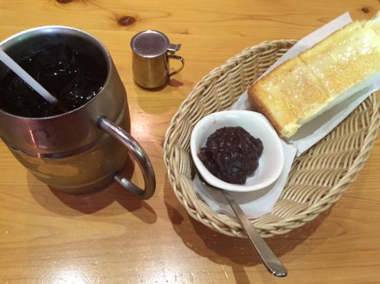 小倉トーストとアイスコーヒー