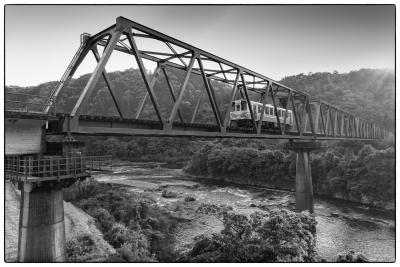 昭和村-電車-橋-1