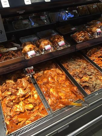 味付け鶏肉のコーナー