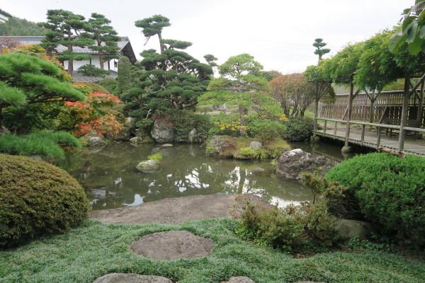記念館の庭