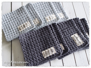 細編みのコースター 四角 水色&ブルーグレー