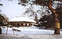 岩出山有備館雪景