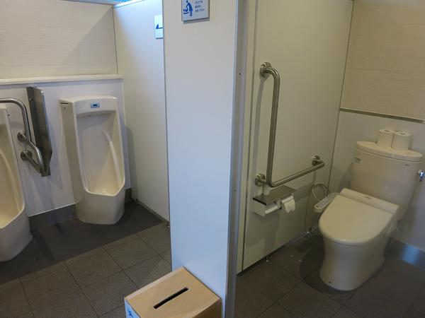 鹿公園 第2キャンプ場 トイレ内部