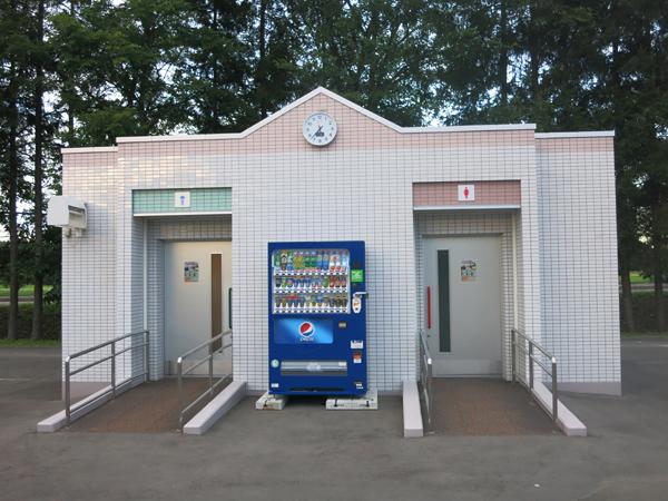 鹿公園 第2キャンプ場 トイレ外観