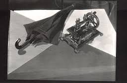 解剖台の上のミシンと蝙蝠傘