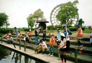 伊庭内湖の外来魚駆除大会