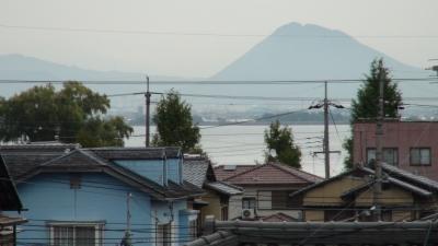 窓から見た琵琶湖(10月28日8時頃)