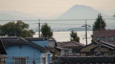 窓から見た琵琶湖(10月31日8時頃)