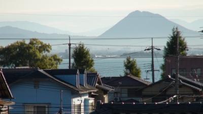 窓から見た琵琶湖(11月2日8時頃)