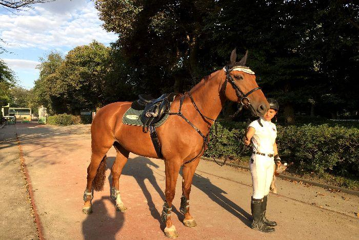 035-New-女性騎手