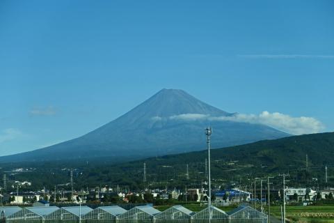 01新幹線車内からの富士山
