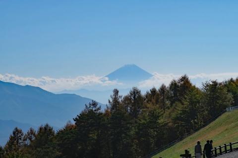 09八ヶ岳高原ラインまきば公園から富士山
