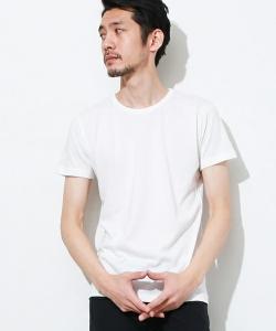 UネックTシャツ 夏