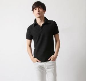 黒 ポロシャツ コーデ