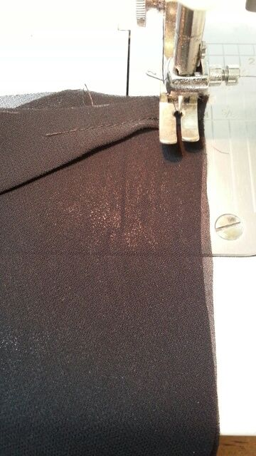 バルーンワンピース袖付け衿付け⑩