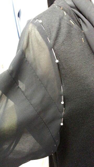 バルーンワンピース袖付け衿付け⑧