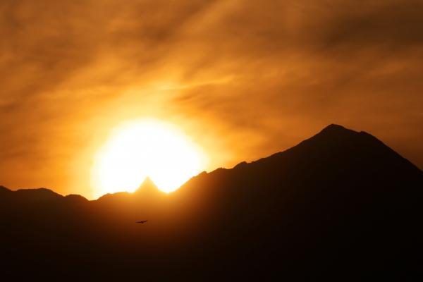 槍ヶ岳に沈む夕日