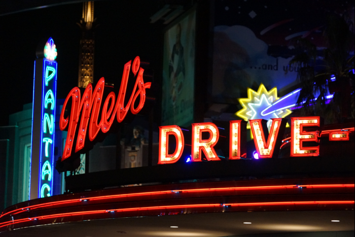 USJ 15th Mels Drive-in ネオンサイン 201605