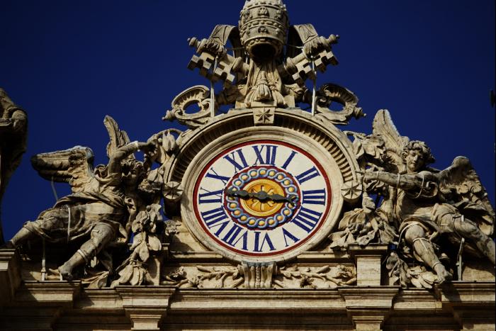 サンピエトロ大聖堂 屋根 時計 201603