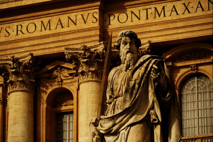 サンピエトロ大聖堂 外観 大理石像 201603