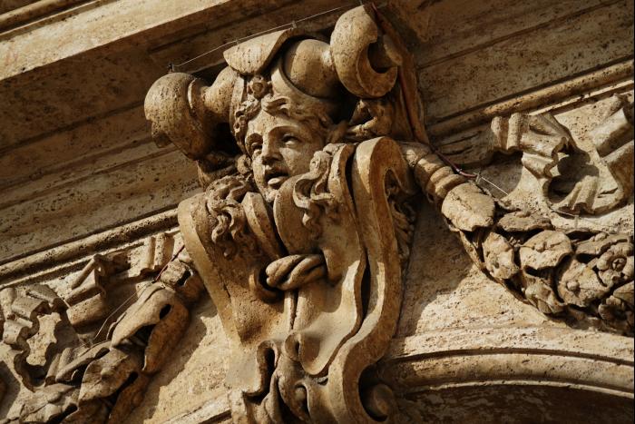 サンピエトロ大聖堂 外観 入口 彫刻 201603