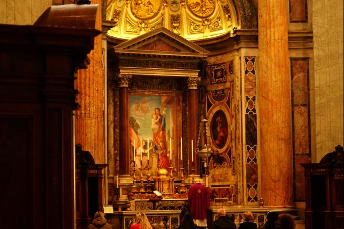 サンピエトロ大聖堂 内部 祈り 201603