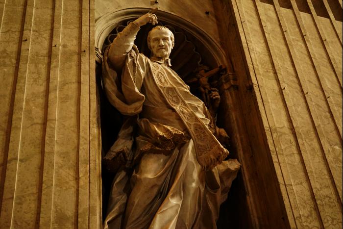 サンピエトロ大聖堂 内部 彫像 201603