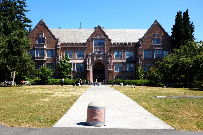 シアトル ワシントン大学 キャンパス 噴水周り 3 201608