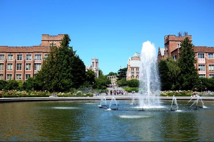 シアトル ワシントン大学 キャンパス 噴水周り 4 201608